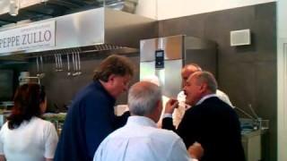 Peppe Zullo saluta l'Expo con Red Ronnie