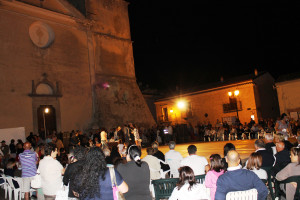 pubblico in piazza