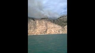 Incendio a Mattinata (video)