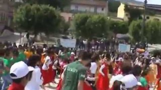 Biccari balla al ritmo di Danzaria: 600 studenti nella piazza del folk