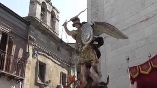 (video) Orsara e il 'suo' San Michele: ieri la traslazione, oggi la processione
