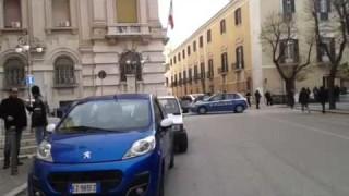 Gli sfrattati bloccano Corso Garibaldi