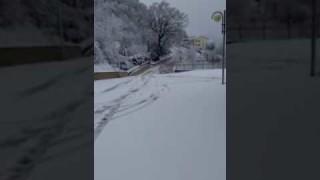 Nevica ad Alberona, uomini e mezzi al lavoro