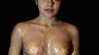 """Foggia, le foto di Sara: """"Oro: il Kintsugi sul corpo"""""""