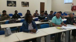Immigrati a lezione d'Italiano: Foggia c'è, integrare è possibile