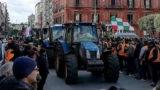 """""""Ora basta, invadiamo Roma coi trattori"""""""