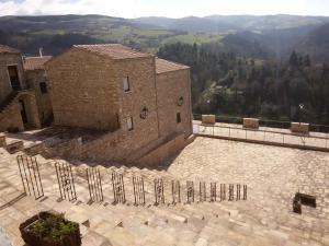 Roseto V Piazza Anfiteatro